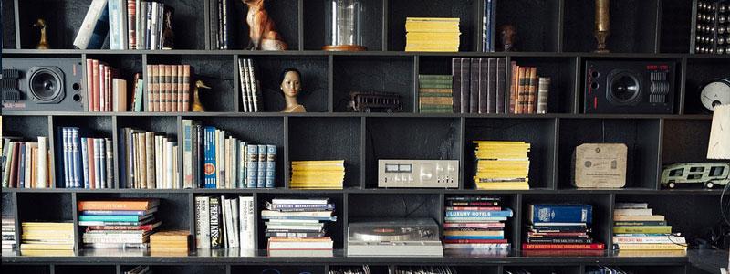 boekenkast voor in woonkamer
