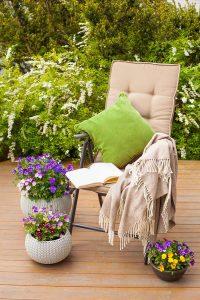 Verstelbare tuinstoelen met groen kussen