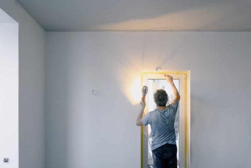 Werkplaats verlichten met bouwlamp